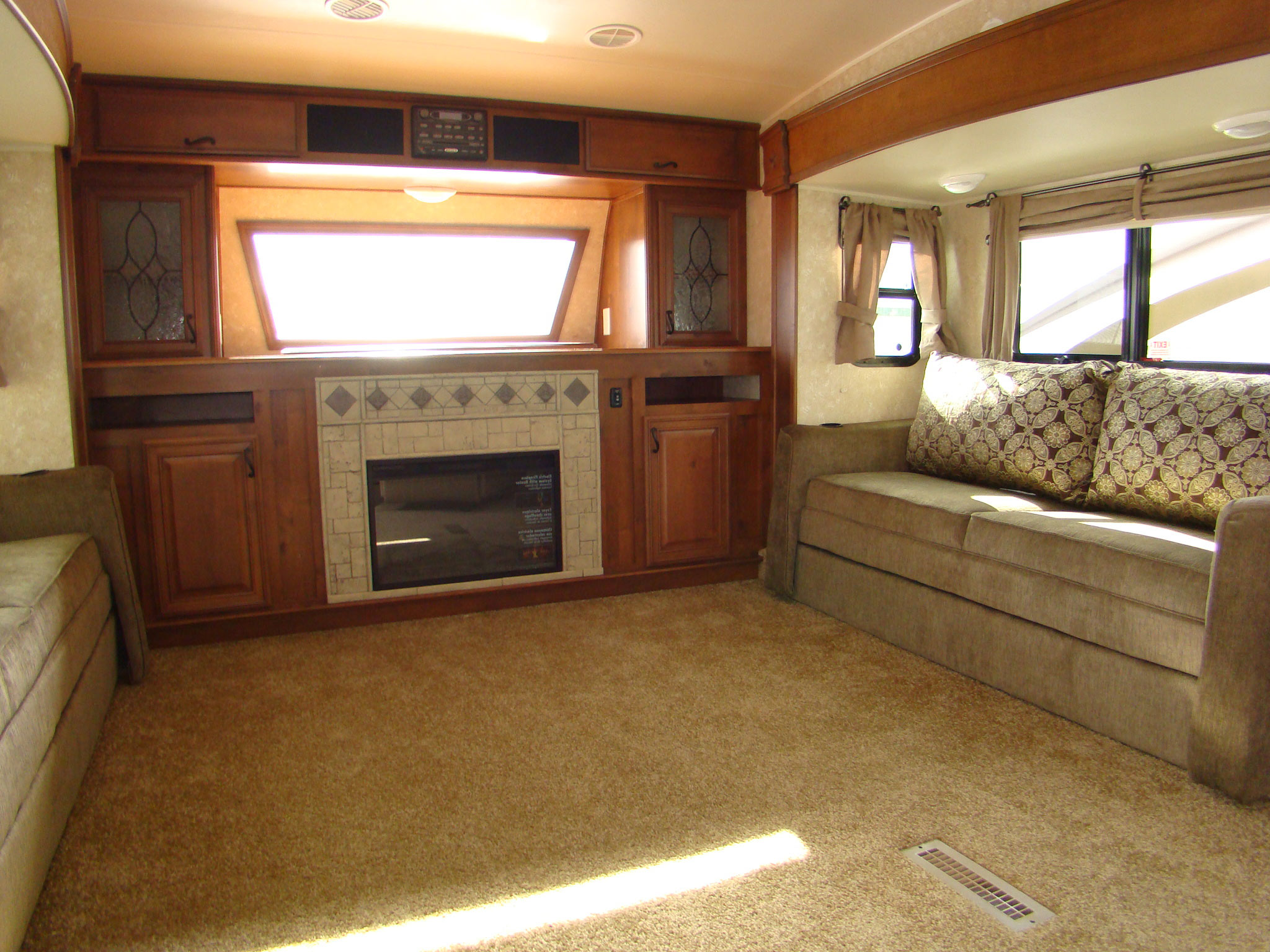 fifth wheel campers with front living rooms 19