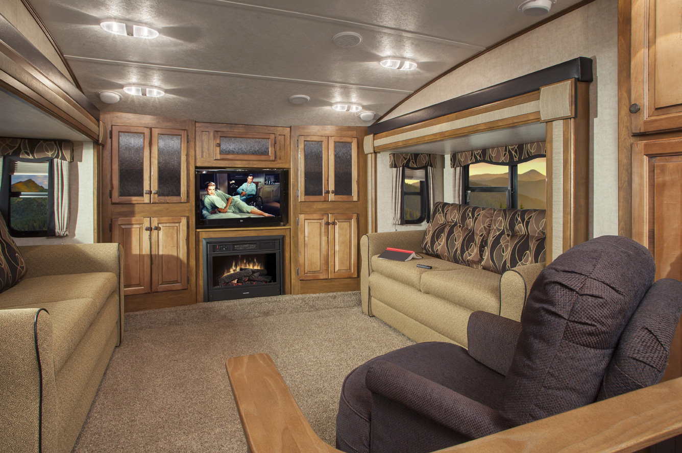 fifth wheel campers with front living rooms 21