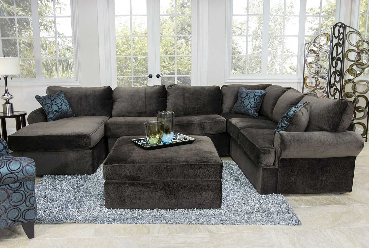 Mor furniture living room sets roy home design for Family room furniture