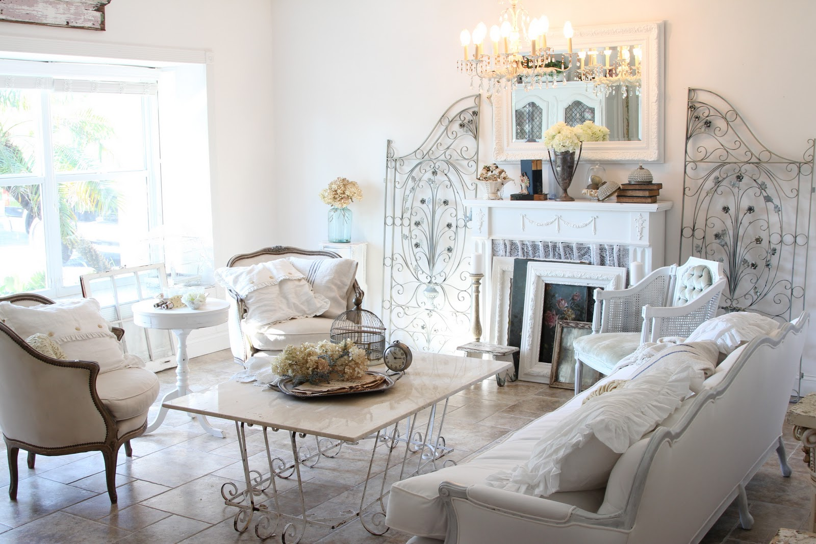 paris themed living room 18