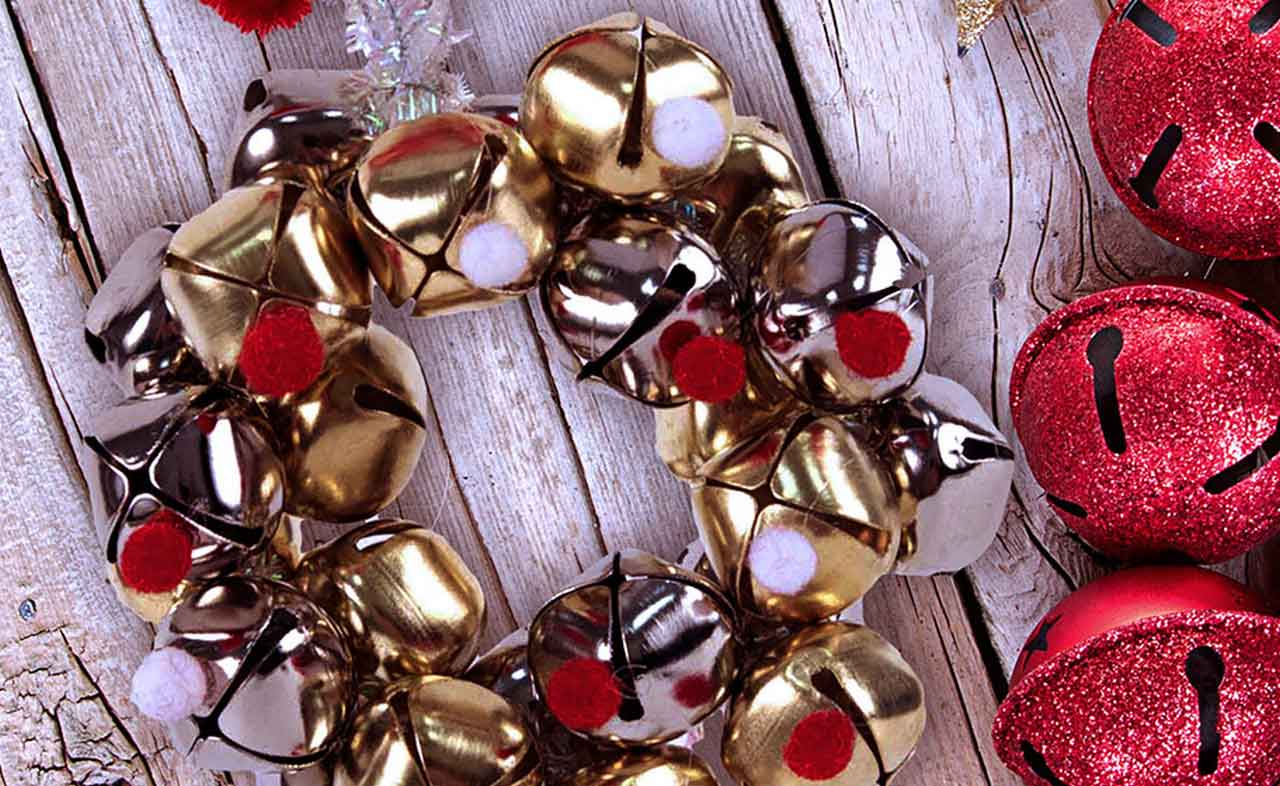 The Easy Ways to Create Fancy DIY Christmas Door Bells Decoration