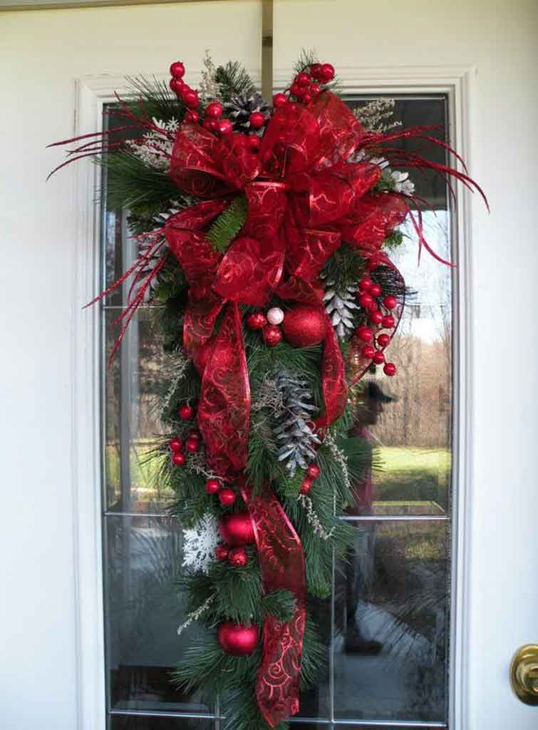 Tips and Trick to Make Christmas Swags for Doors | Roy Home Design