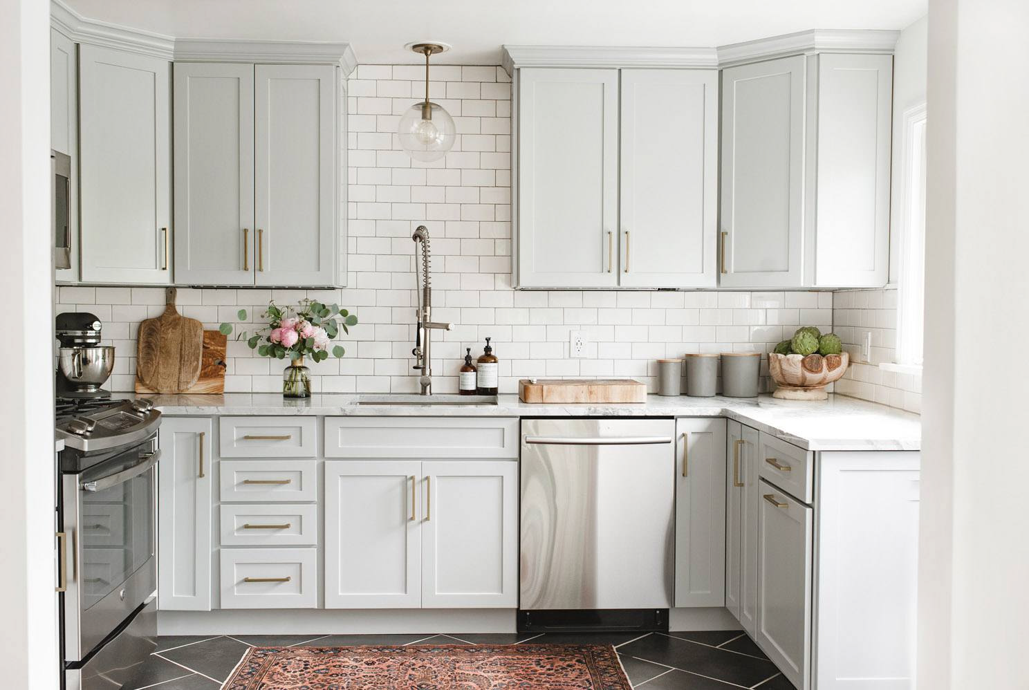 Get To Know The Light Grey Kitchen Cabinet Design That Becoming Popular | Roy Home Design