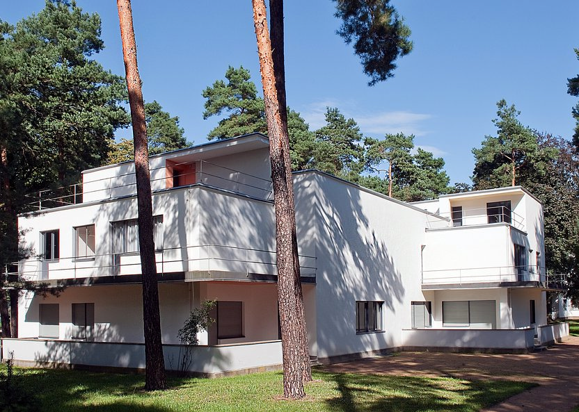 Fives Characteristics Of Mid Century Modern House You Need To Know | Roy Home Design