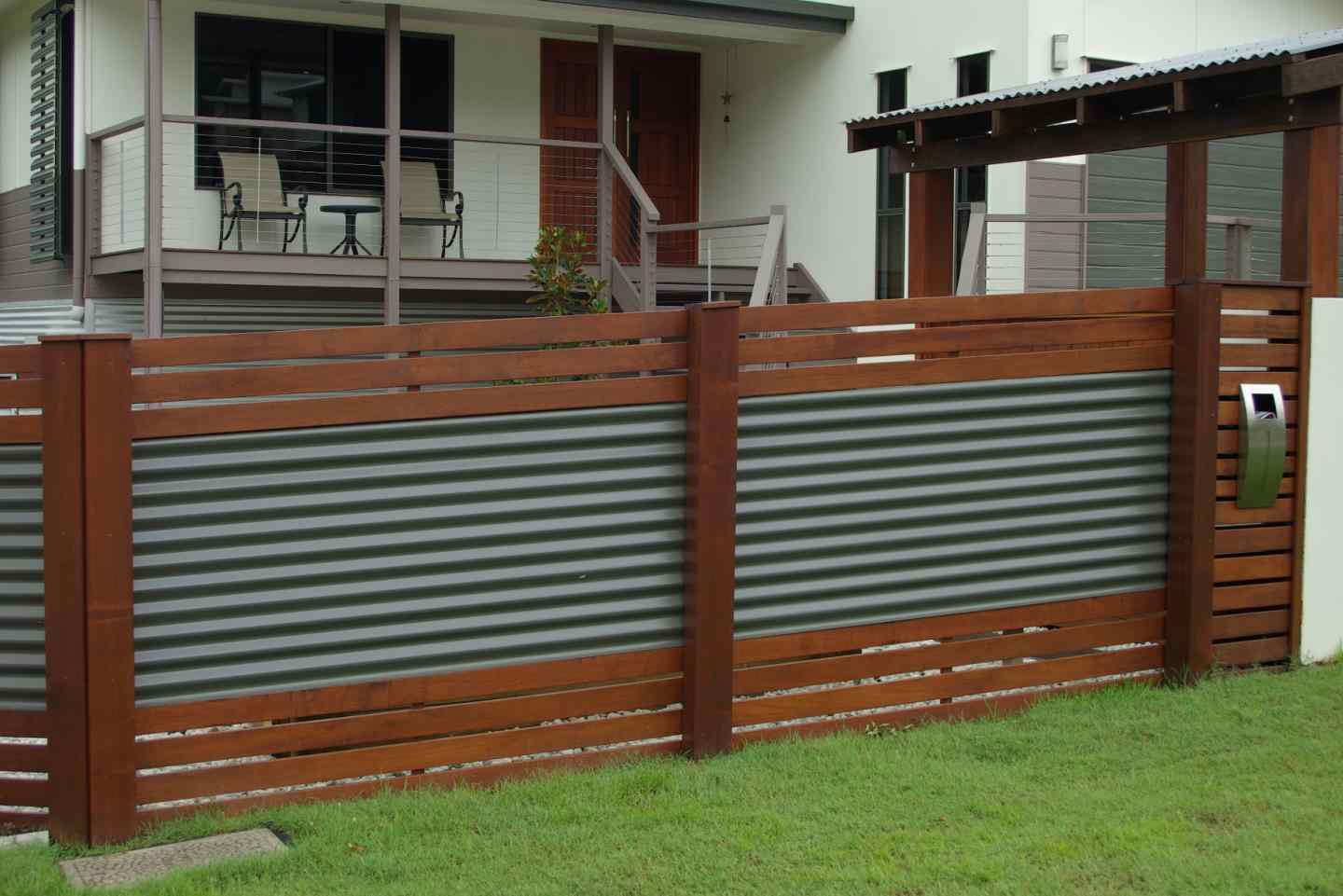 Cheap Fence Ideas For Dogs That Dig for Small Dogs Run