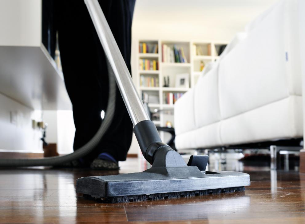 Cleaning Engineered Hardwood Floors with Vinegar