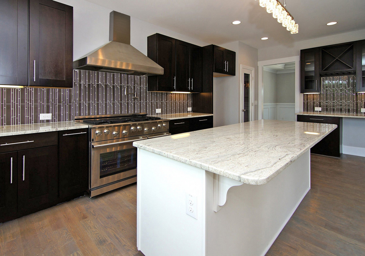 Espresso-Kitchen-Cabinets-with-white-island-faced-off-black-backsplash-high-durability-espresso-kitchen-cabinets-with-white-island-come-elegance