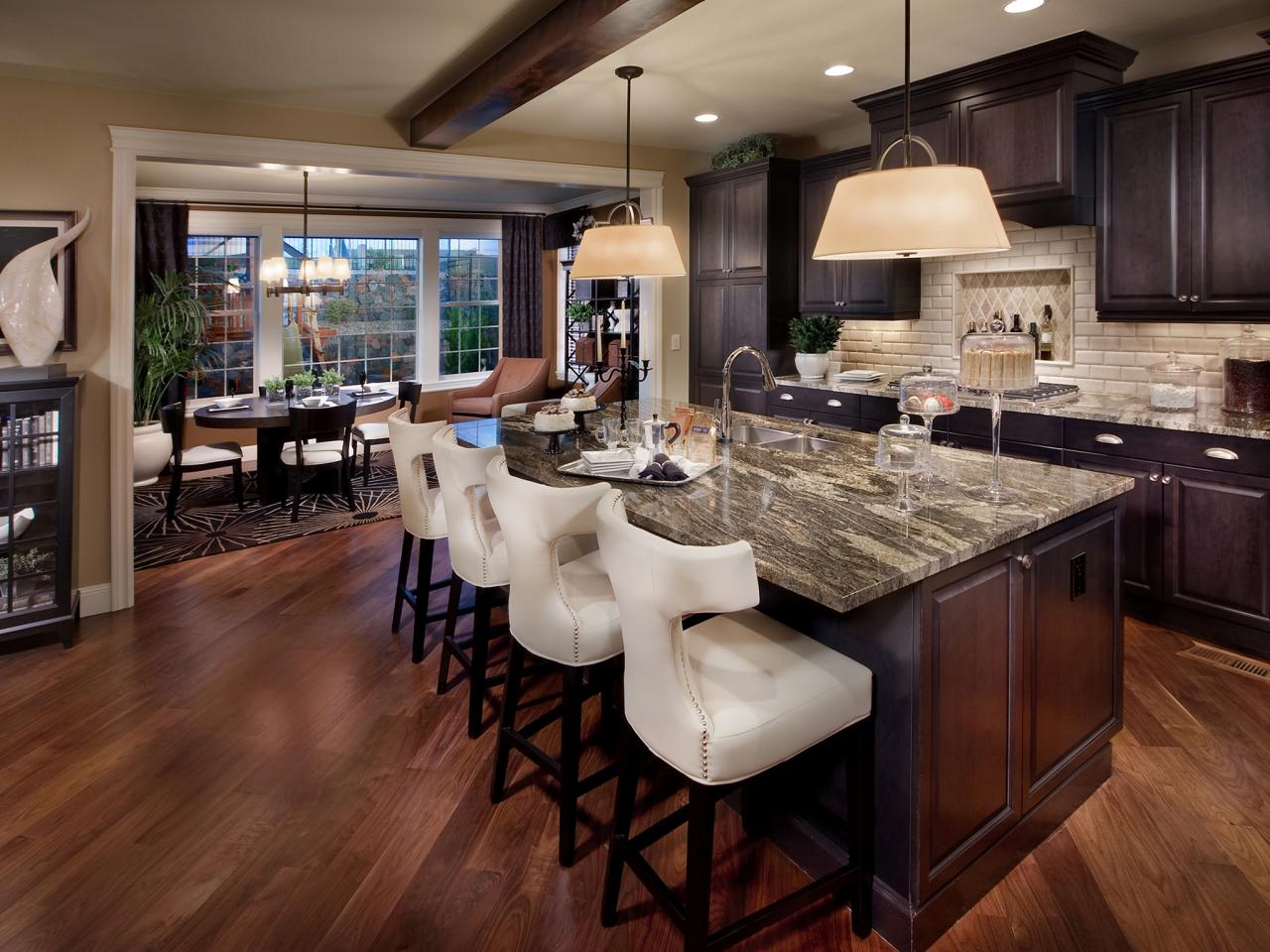 Older Home Kitchen Remodeling Ideas with Granite Countertops