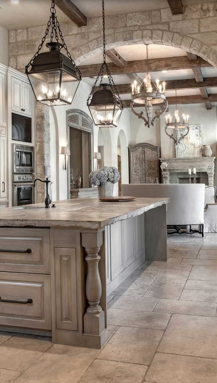 Older Home Kitchen Remodeling Ideas with Traditional Design