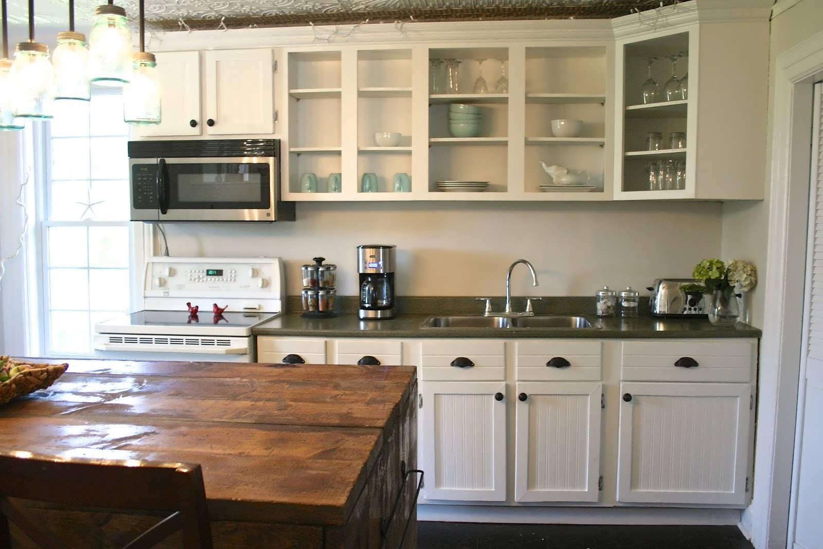 10 Kitchen Cabinet Tips: Older Home Kitchen Remodeling Ideas