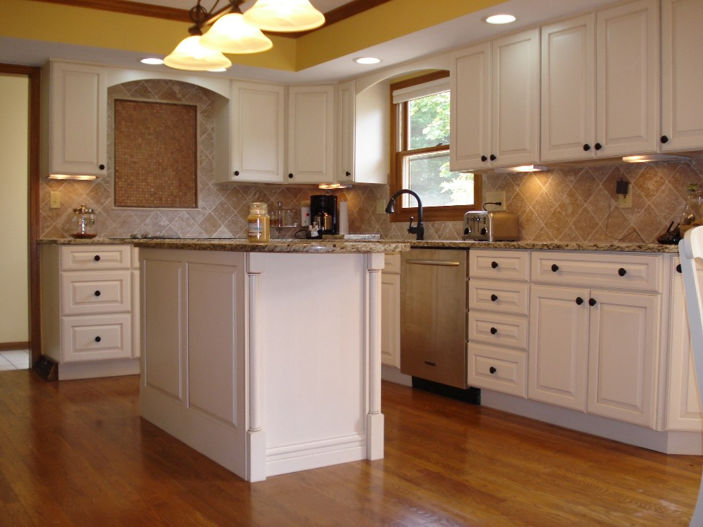 Older Home Kitchen Remodeling Ideas with Wood Floor and Small White Island