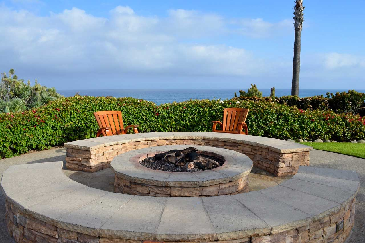 Awesome Fire Pit Ideas In Various Designs And Styles | Roy Home Design