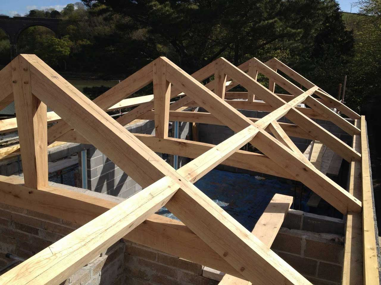 How to Build a Secure Roof Design Construction for Houses | Roy Home Design
