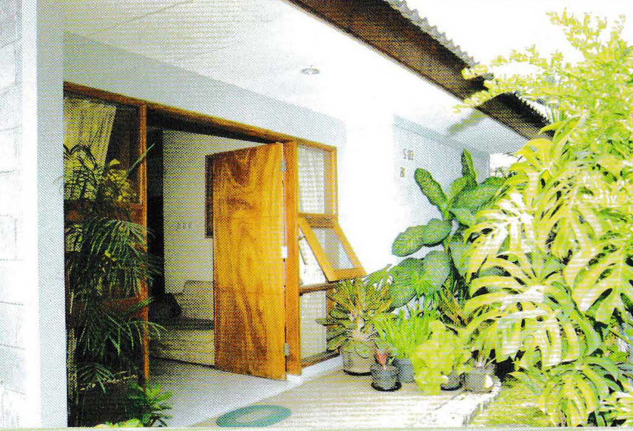 Why Indoor Garden in Minimalist Tropical House so Famous? | Roy Home Design