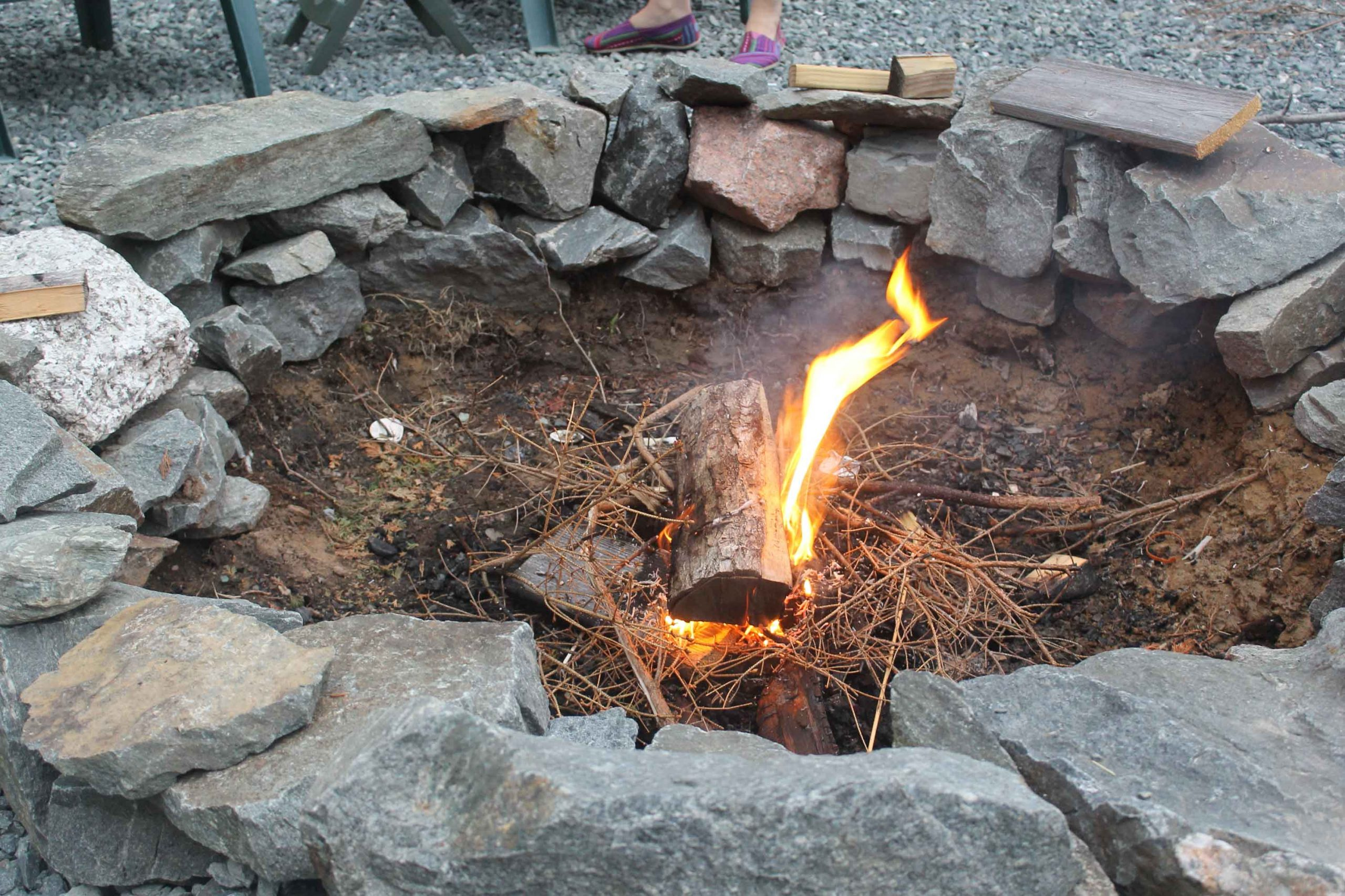 5 Things You Should Consider When Building Large Outdoor Fire Pit | Roy Home Design