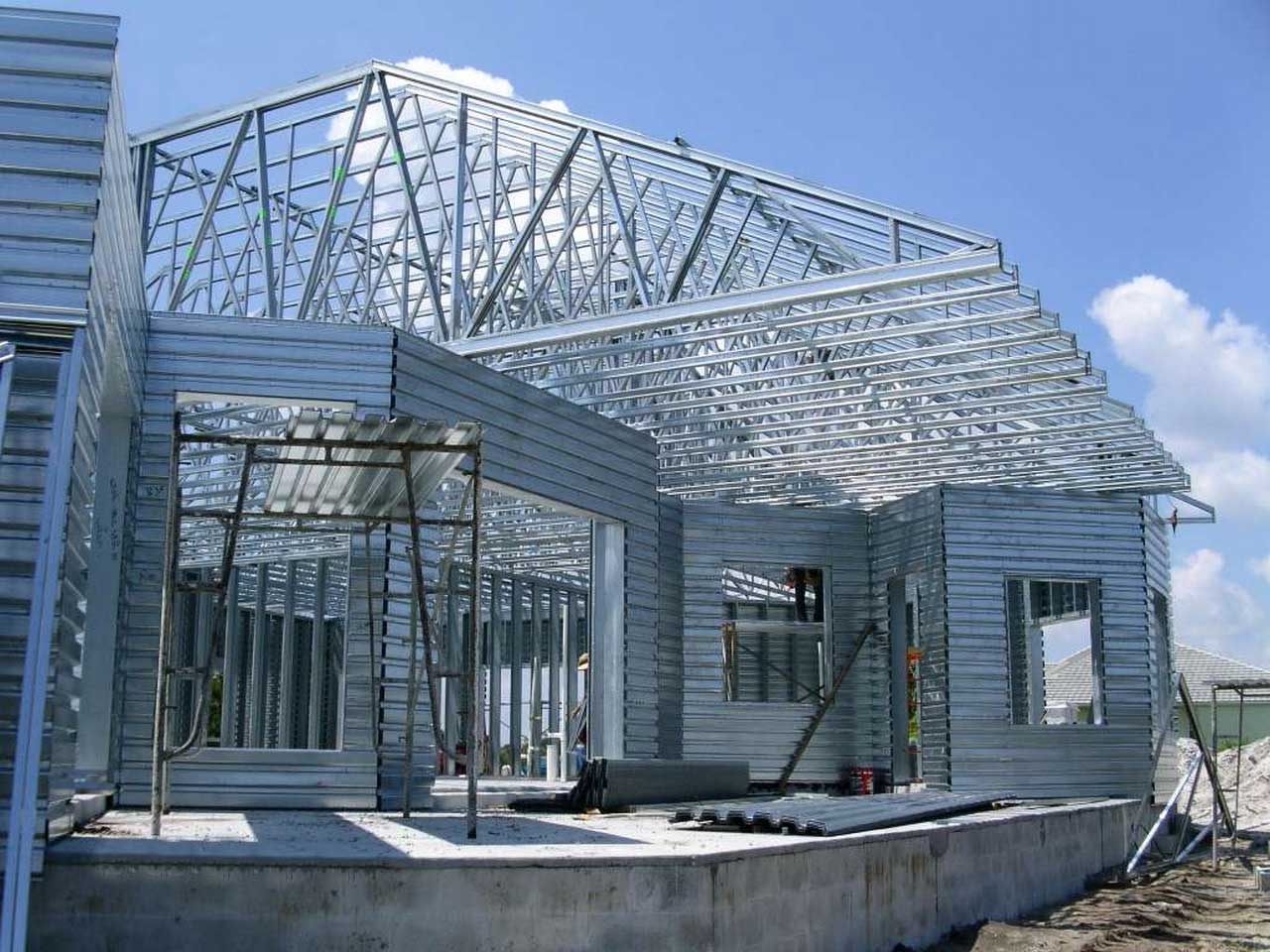 Steel Truss for Roof Frames Residential Homes that You Should Know | Roy Home Design