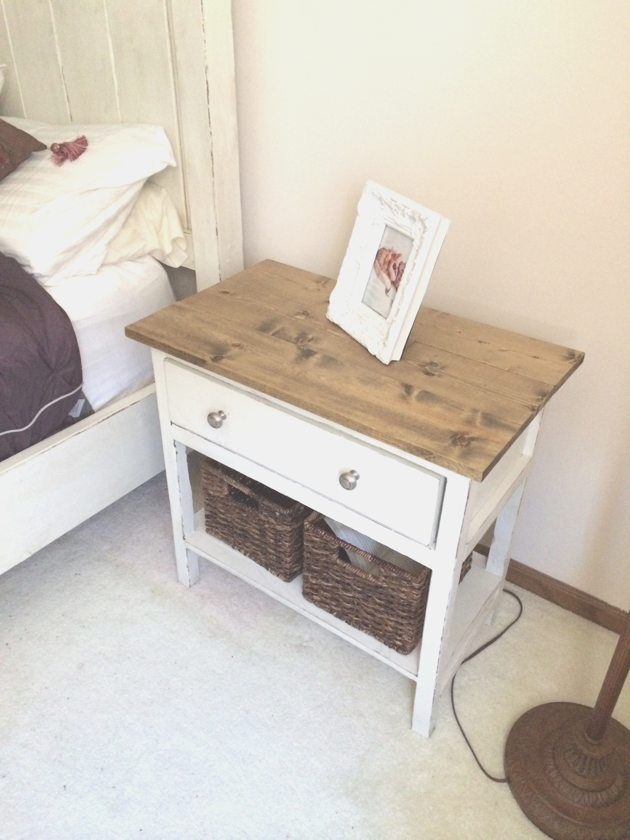farmhouse end table | Ana White | Farmhouse End Tables - DIY Projects | farmhouse end table